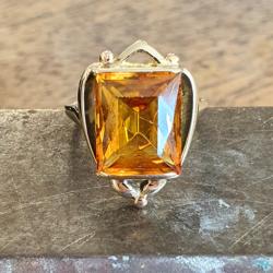 Geel gouden ring met een citrien maat 16,25