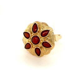 Gouden ring bloedkoraal maat 17,75