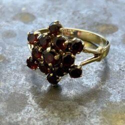 Gouden ring bloem granaat