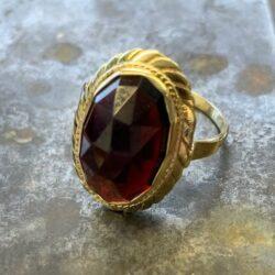 Gouden ring granaat