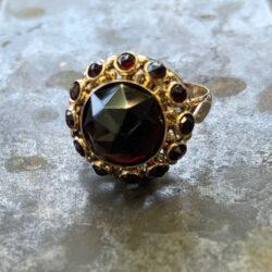 Gouden ring granaten