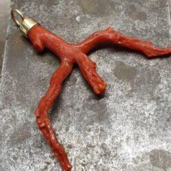 bloedkoralen staaf hanger barok